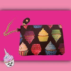 ⭐️ Betsey Johnson Cupcake Wristlet ⭐️